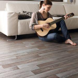 0893 Wood Effect Anti Slip Vinyl Flooring